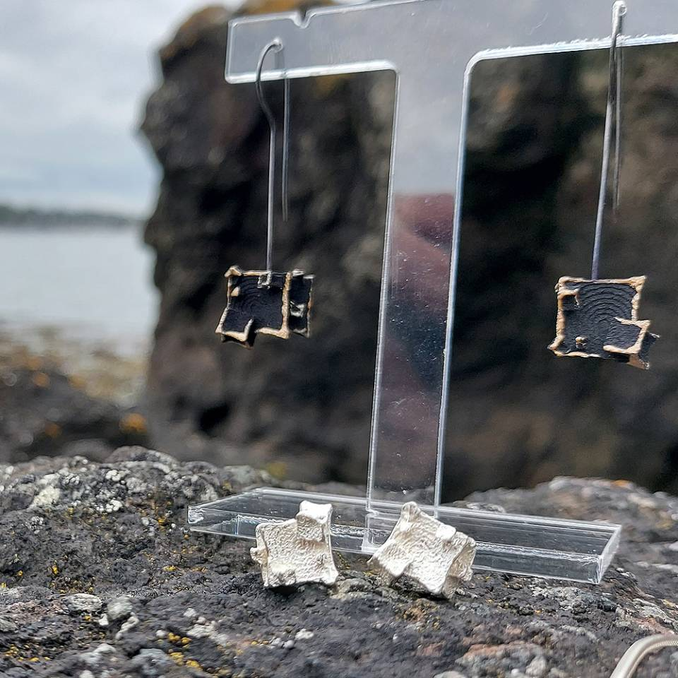 black and gold cube drop earrings