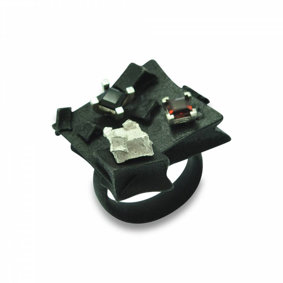Gothic cube ring - garnet silver cubes