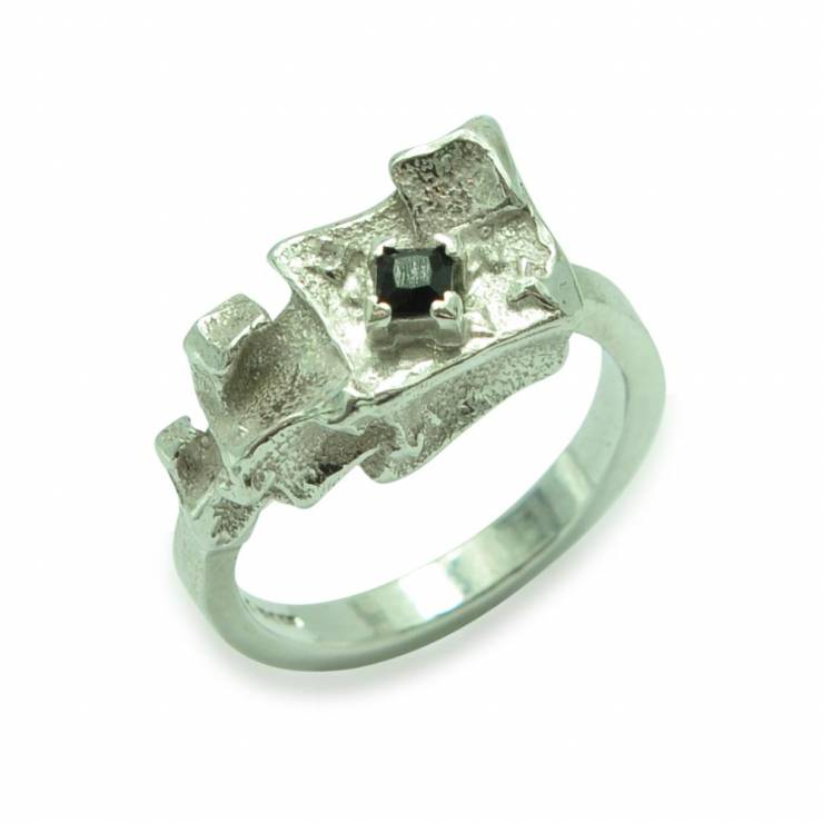 silver pyramid ring spinel