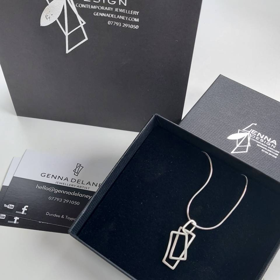 small component pendant with packaging