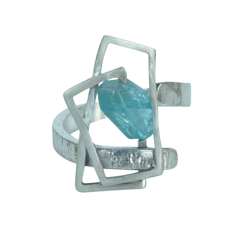 small component apatite ring