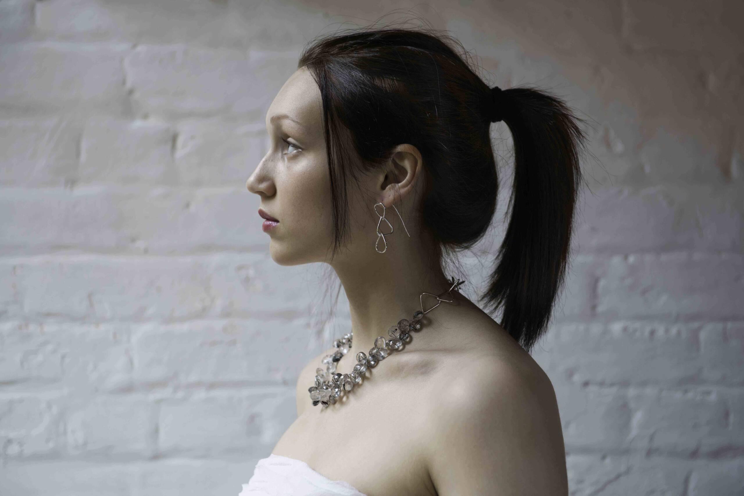 https://www.gennadelaney.com/wp-content/uploads/2021/06/GillMair-TQpear-linked-neckpiece-sm-scaled.jpg
