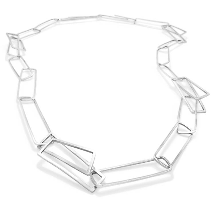 component linked necklace
